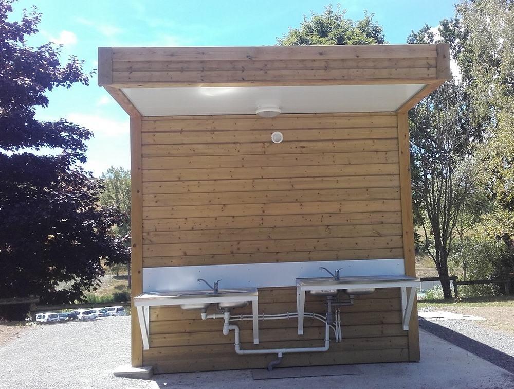 prefabrique-sanitaires-camping.jpg
