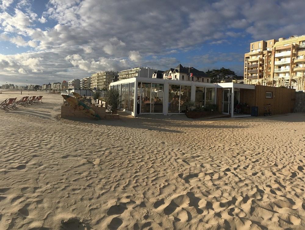 restaurant-plage-modulaire.jpg