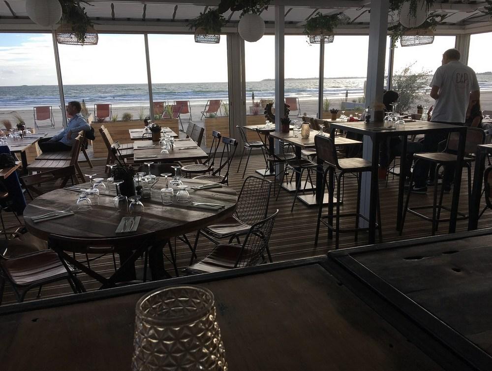 salle-restaurant-plage-prefabriquee.jpg
