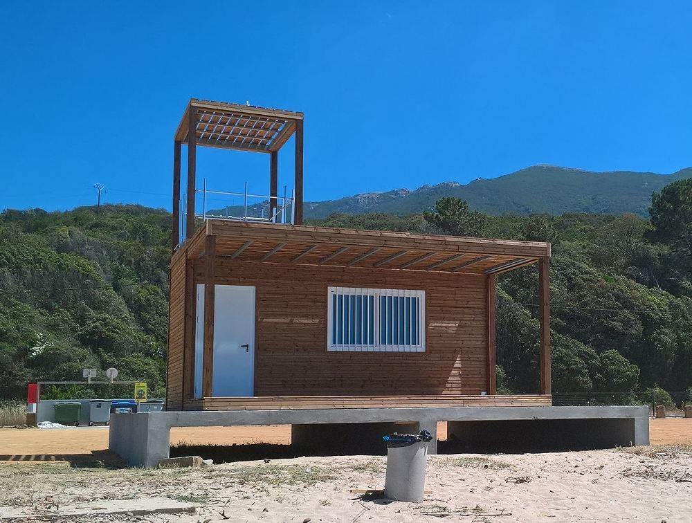 poste-secours-modulaire-plage.jpg