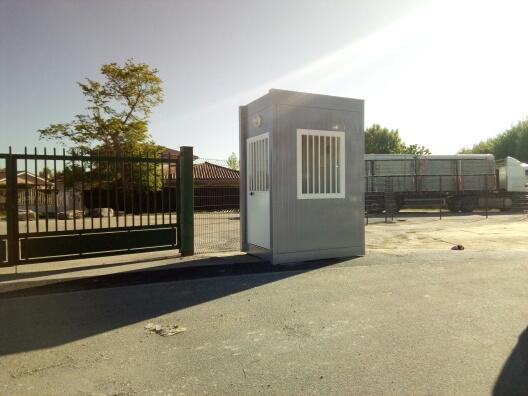 Postes-de-garde-modulaires-pour-le-parc-des-expositions-de-l-Ain.jpg