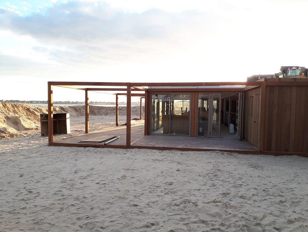 amenagement-exterieur-restaurant-plage-prefabrique.jpg