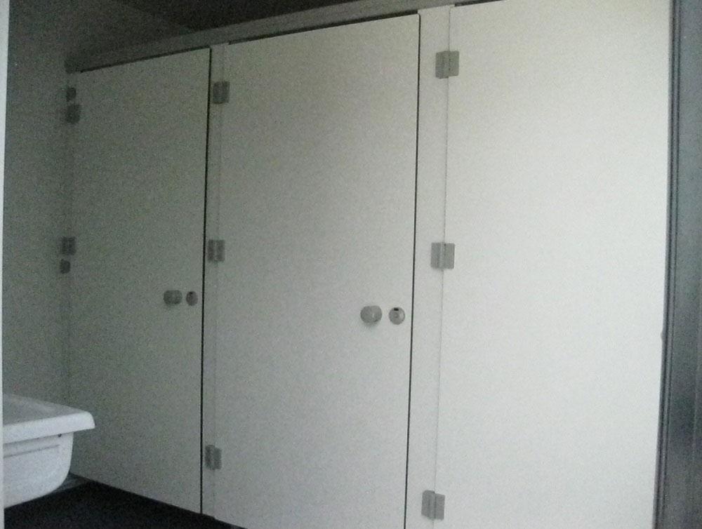 toilettes-modulaires-centre-de-loisirs.jpg