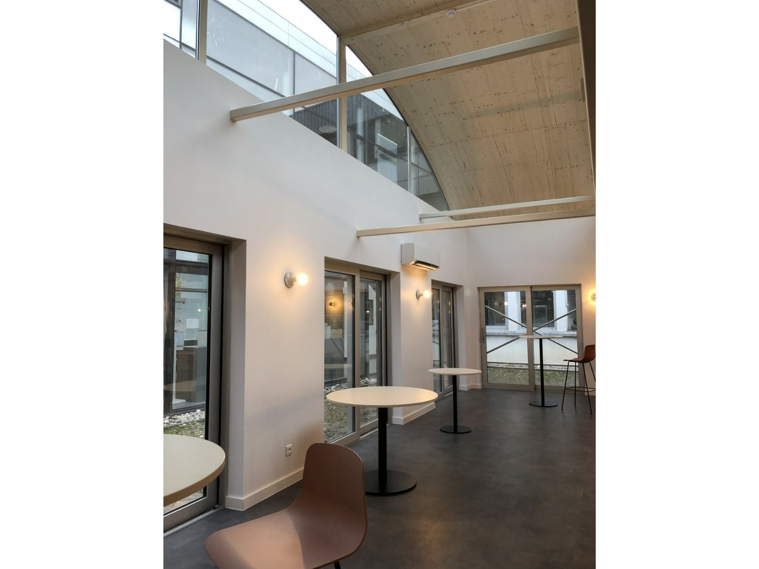 Interieur-modulaire-refectoire-chambery.jpg