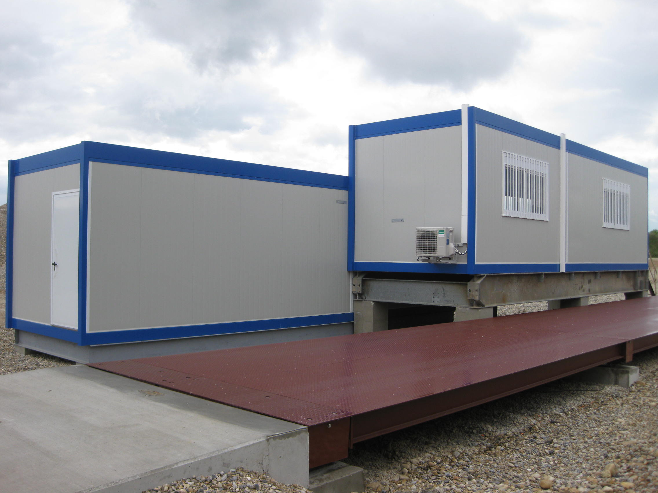 Constructions modulaires dans l'Isère : bureaux, réfectoire, vestiaires et sanitaires