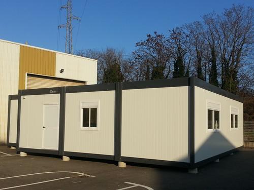 Réfectoire et vestiaires en modulaire dans la Loire