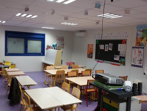 Construction d'une salle de classe modulaire en Auvergne-Rhône-Alpes