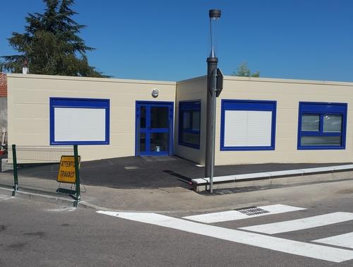 Construction de salles de classe modulaires aux Roches de Condrieu