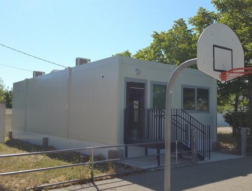 Salle de classe préfabriquée RT 2012 installée dans le Vaucluse