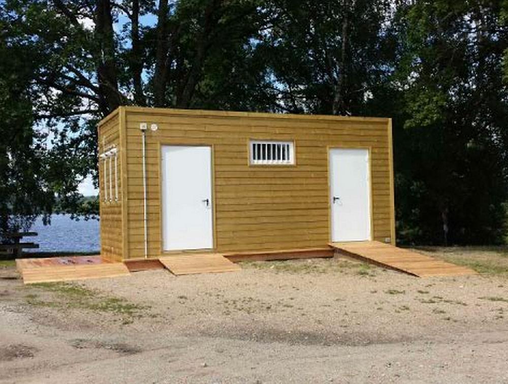 Bâtiments modulaires livrés au lac de Vassivière