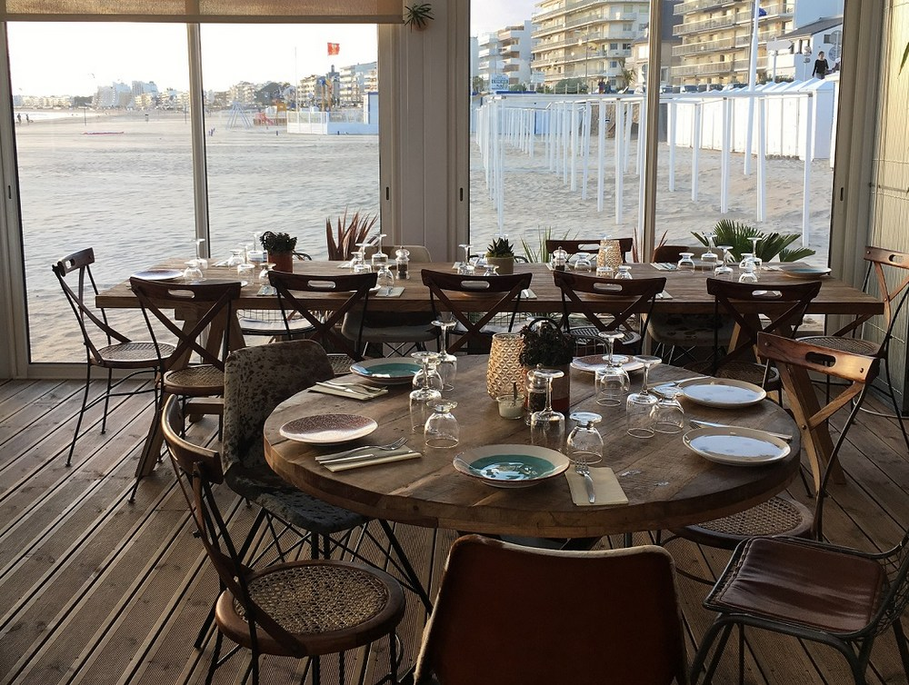 interieur-restaurant-de-plage.jpg