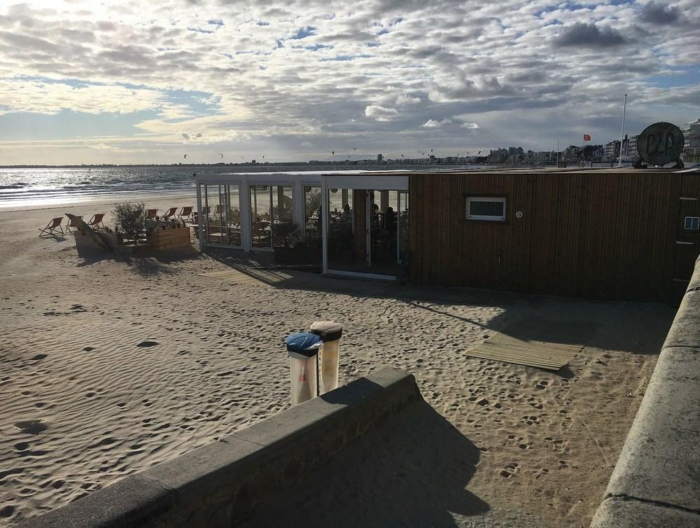restaurant-de-plage-demontable.jpg