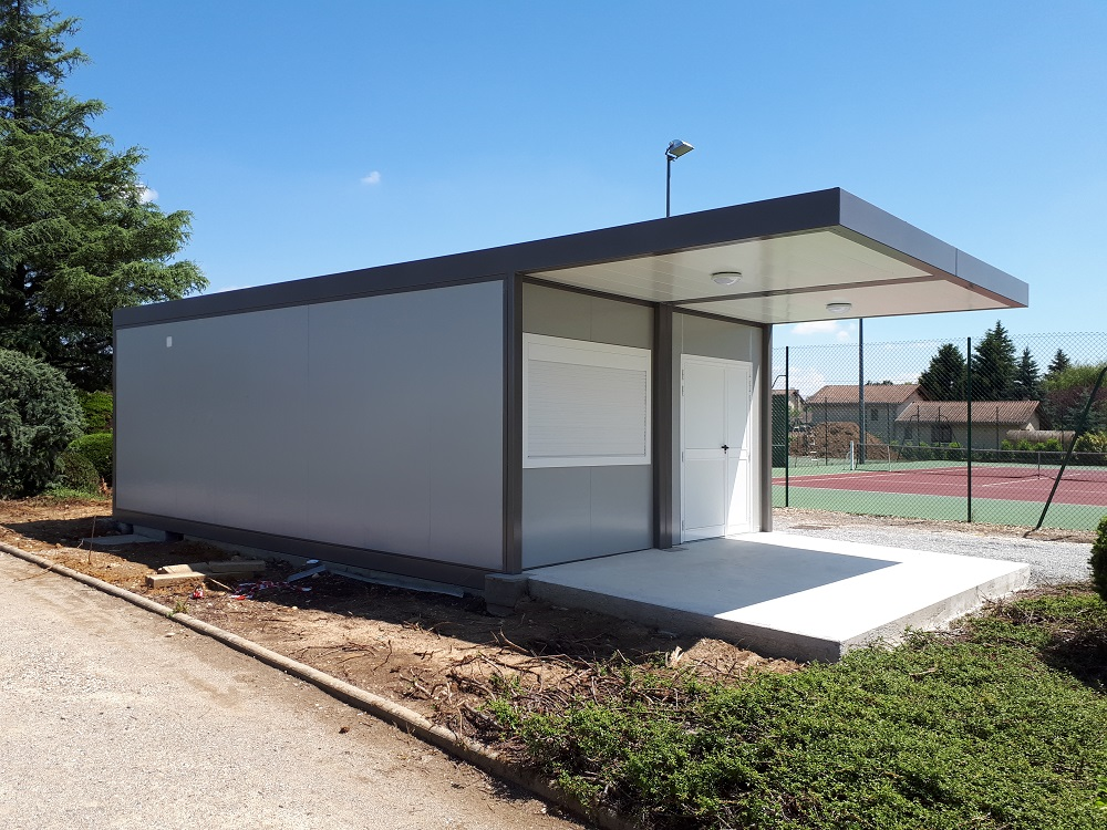 Local-prefabrique-pour-le-tennis-club-de-Serpaize.jpg