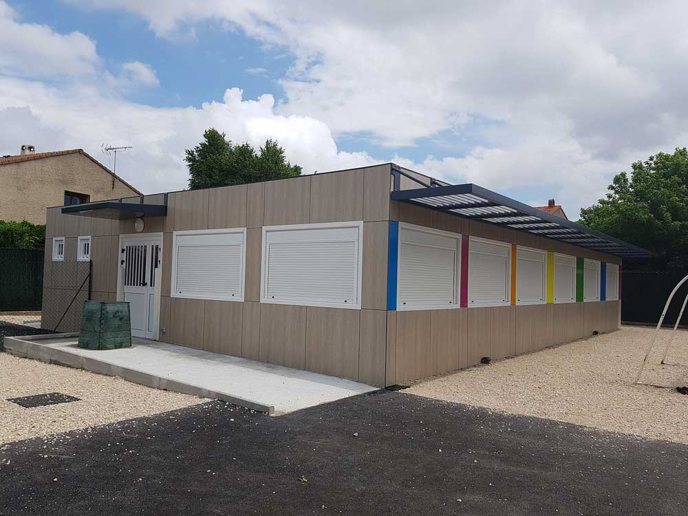 Construction d'un restaurant scolaire modulaire RT 2012 pour une commune dans la Drôme
