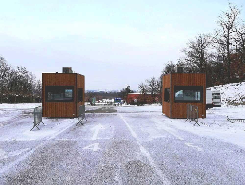 Guichets modulaires pour l'accueil des visiteurs et la billetterie du Safari de Peaugres